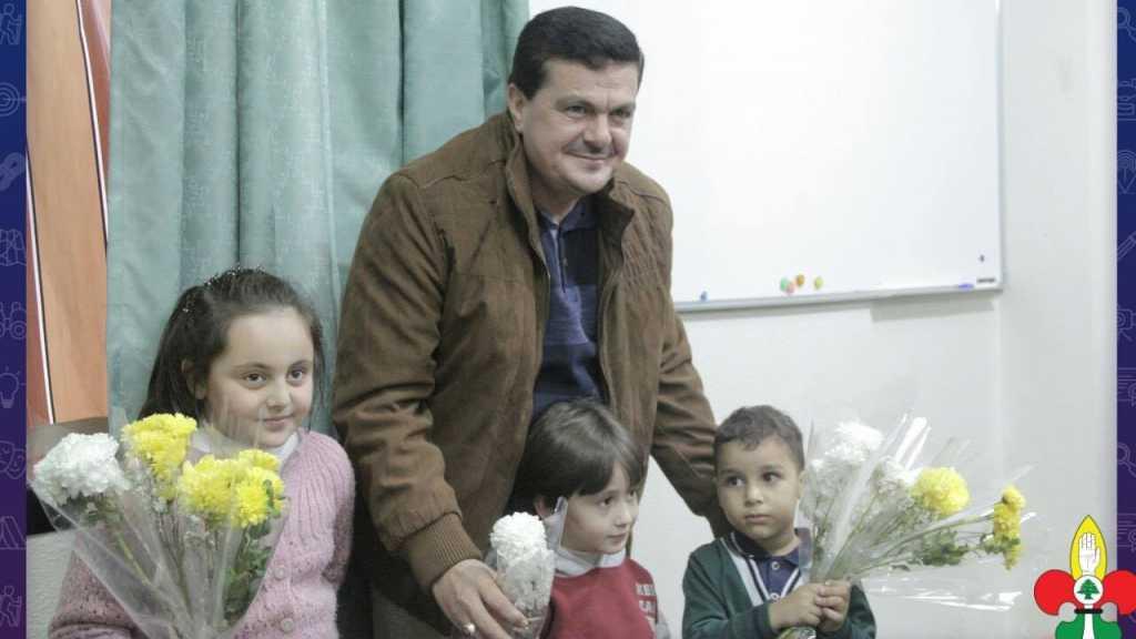 ابناء القادة العاملين في مفوضية المنطقة الثانية، يوزعون الورود أجواء ولادة الرسول الأكرم محمّد صلى الله عليه وآله