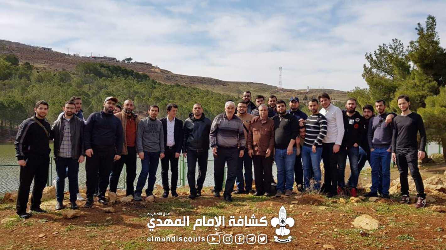 بعد إحرازه المركز الأول، فريق الجمعية لكرة القدم مُكرَّمًا في سوريا